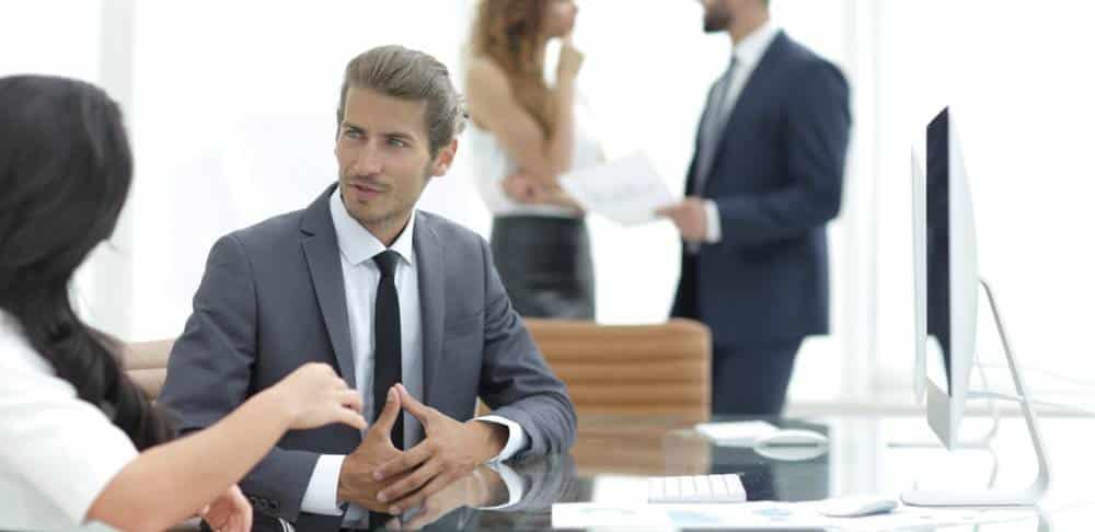 Le cumul d'un emploi en tant que fonctionnaire et le portage salarial-2
